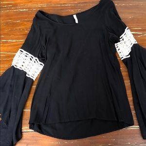 Elan long sleeve wavy blouse sz M